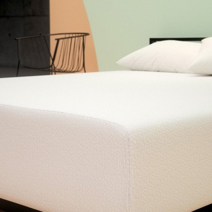 Best Mattress For A Guest Room — Zinus Memory Foam Green Tea Mattress featured image